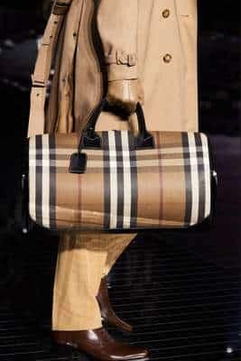 Les derniers sacs de la collection Automne 2020 de Riccardo Tisci pour Burberry