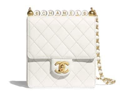 Sac à rabat Chanel en cuir de chèvre avec perles en acrylique