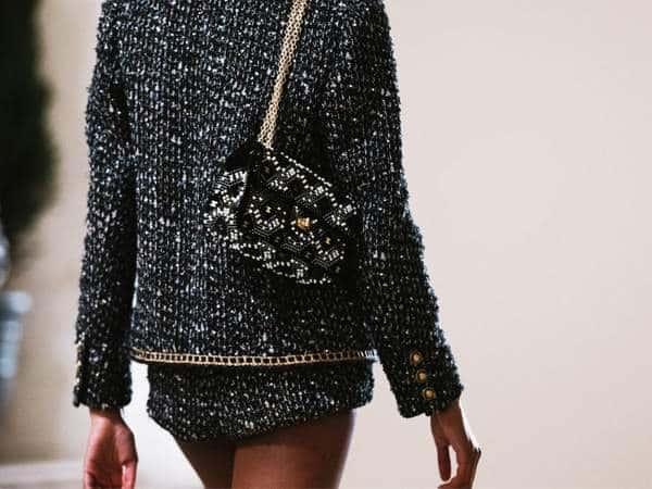 Les sacs Metiers D'Art 2021 de Chanel sont maintenant dans les boutiques