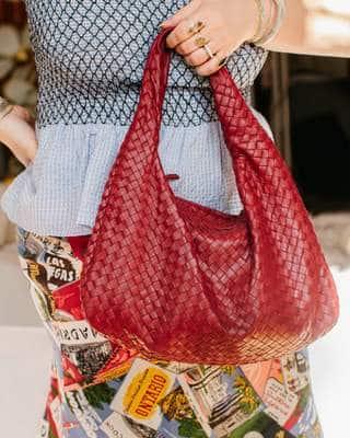 Le plaisir de porter un sac à main d'occasion très bien restauré