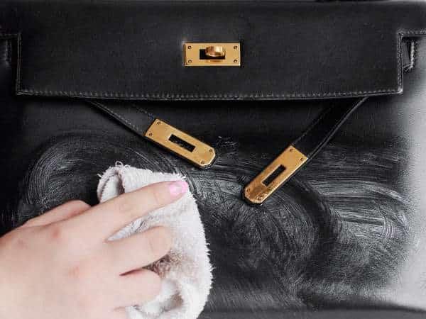 Entretenir un sac en cuir : Conseils pour le rendre plus beau